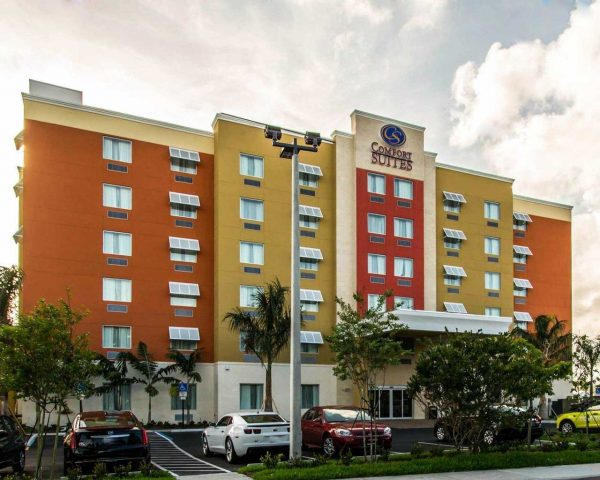 Comfort Suites Fort Lauderdale Airport South and Cruise Port